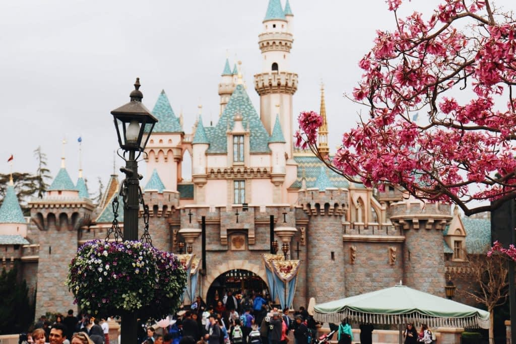 Explore Disneyland and Walt Disney Studio Park