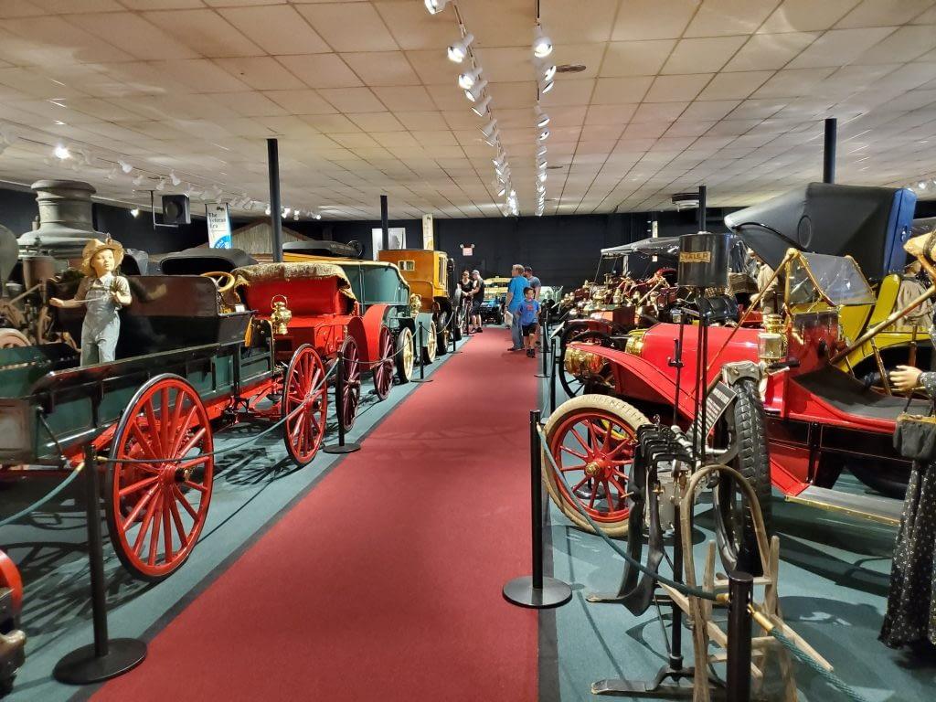 Car & Carriage Caravan Museum